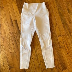 ALO cropped white leggings size XS